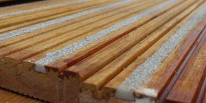 loopdekgroeven hout